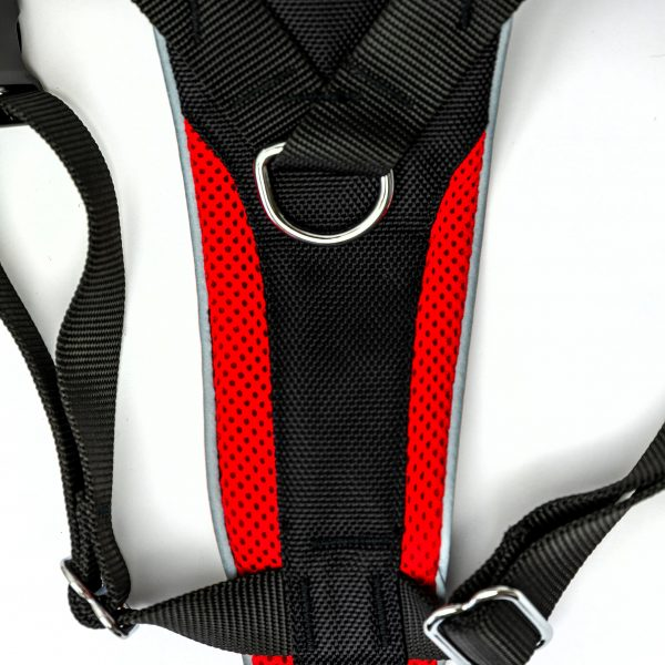 red control dog harness detail